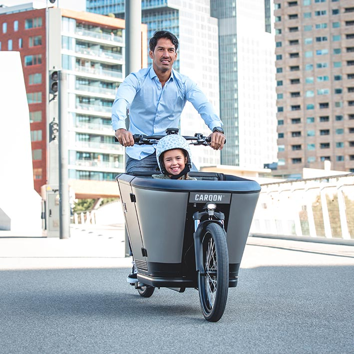Carqon e-bakfiets with kid